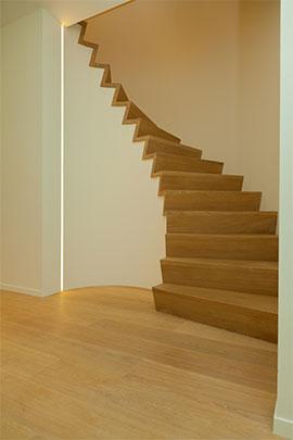 Cp trappen moderne trappen for Moderne houten trap